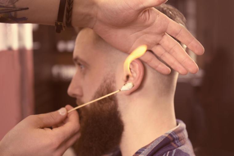 Haare mit Feuer versiegeln, Angebot des Friseursalons E. F. Lüx in Straubing
